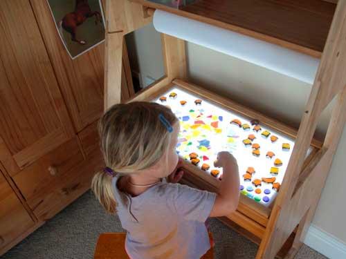 mesa de luz para niños